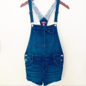 Arizona Jeans short overalls with lace trim sz M